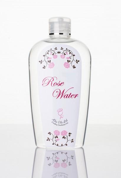 Чиста и натурална розова вода